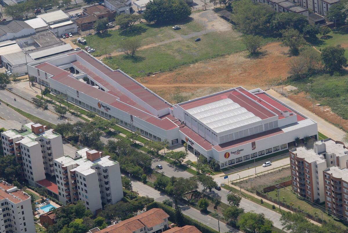 Centro Comercial Super Outlet la 80